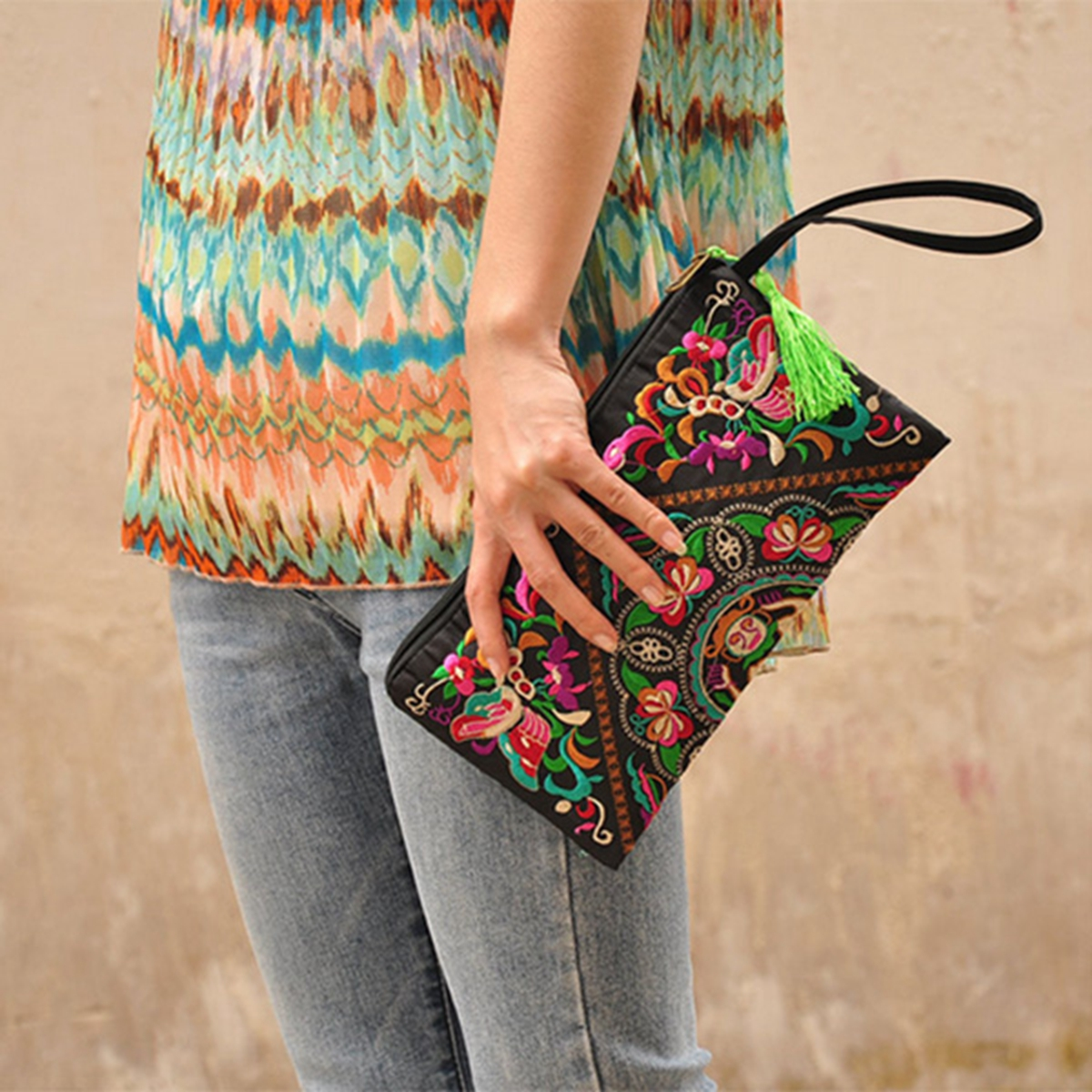 Retro Women Handbag Purse National Embroidered Phone Change Coin Zip Clutch Bag