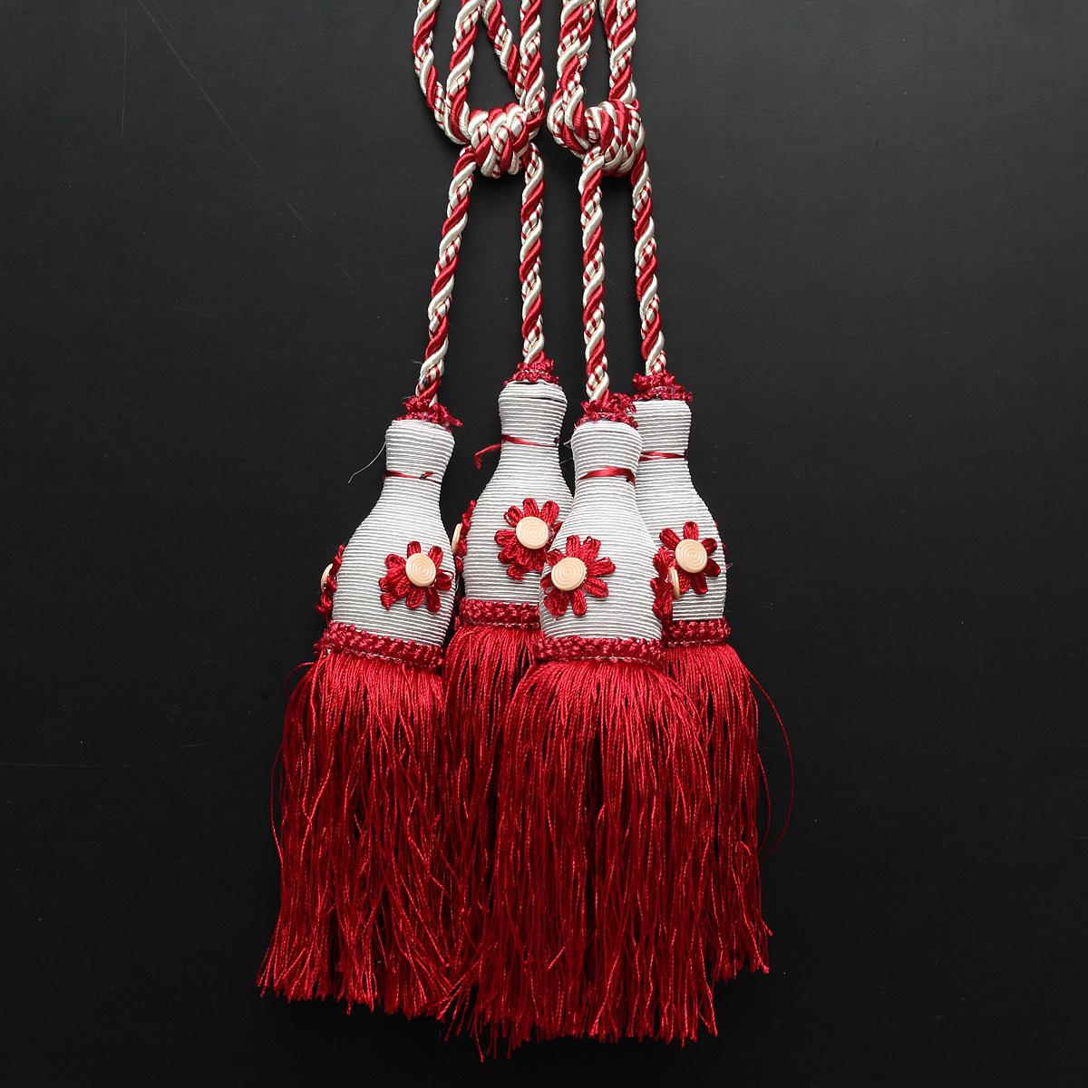 paire el gant embrasse attache pendantif rideau pompon. Black Bedroom Furniture Sets. Home Design Ideas