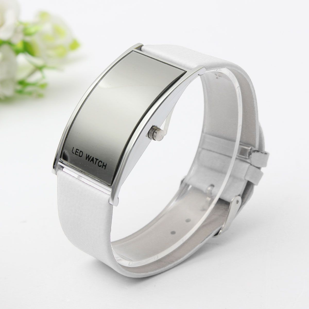 Led ultra mince digital montre num rique pu bracelet watch for Miroir numerique