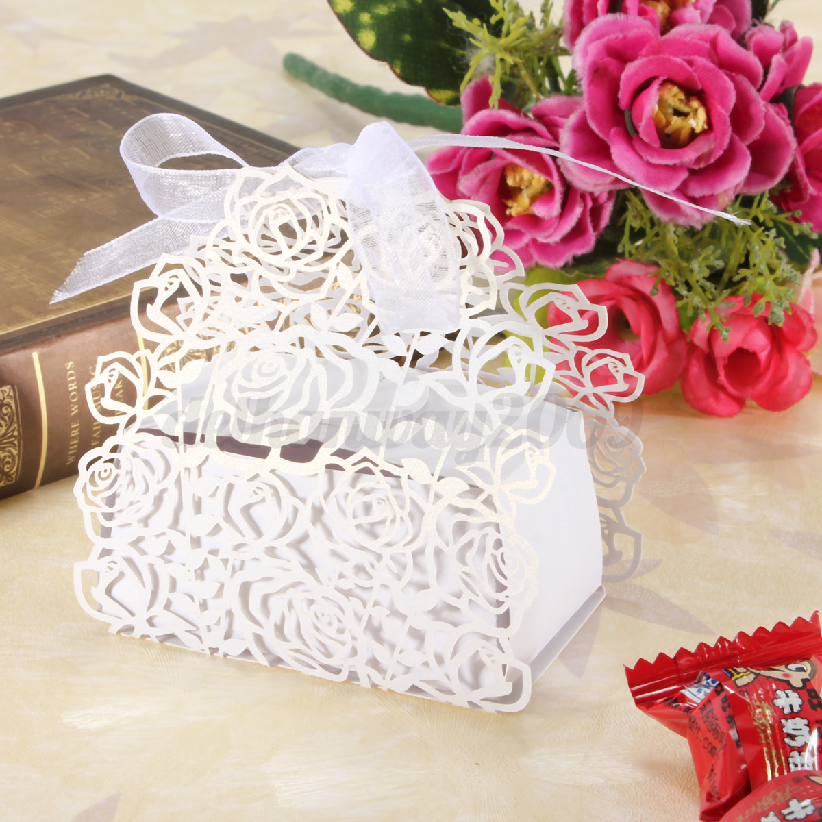 24 50 PCS Luxury Butterfly Flower Wedding Party Sweet Candy Cake Favors Gift Box