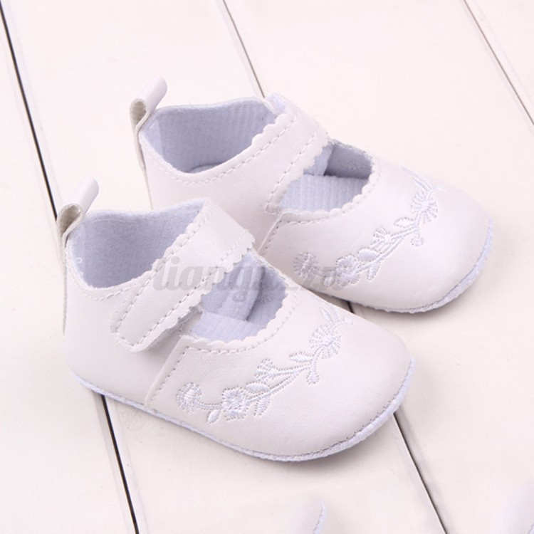 b b enfant fille chaussons chaussures broderie cuir antid rapant souple fleur ebay. Black Bedroom Furniture Sets. Home Design Ideas