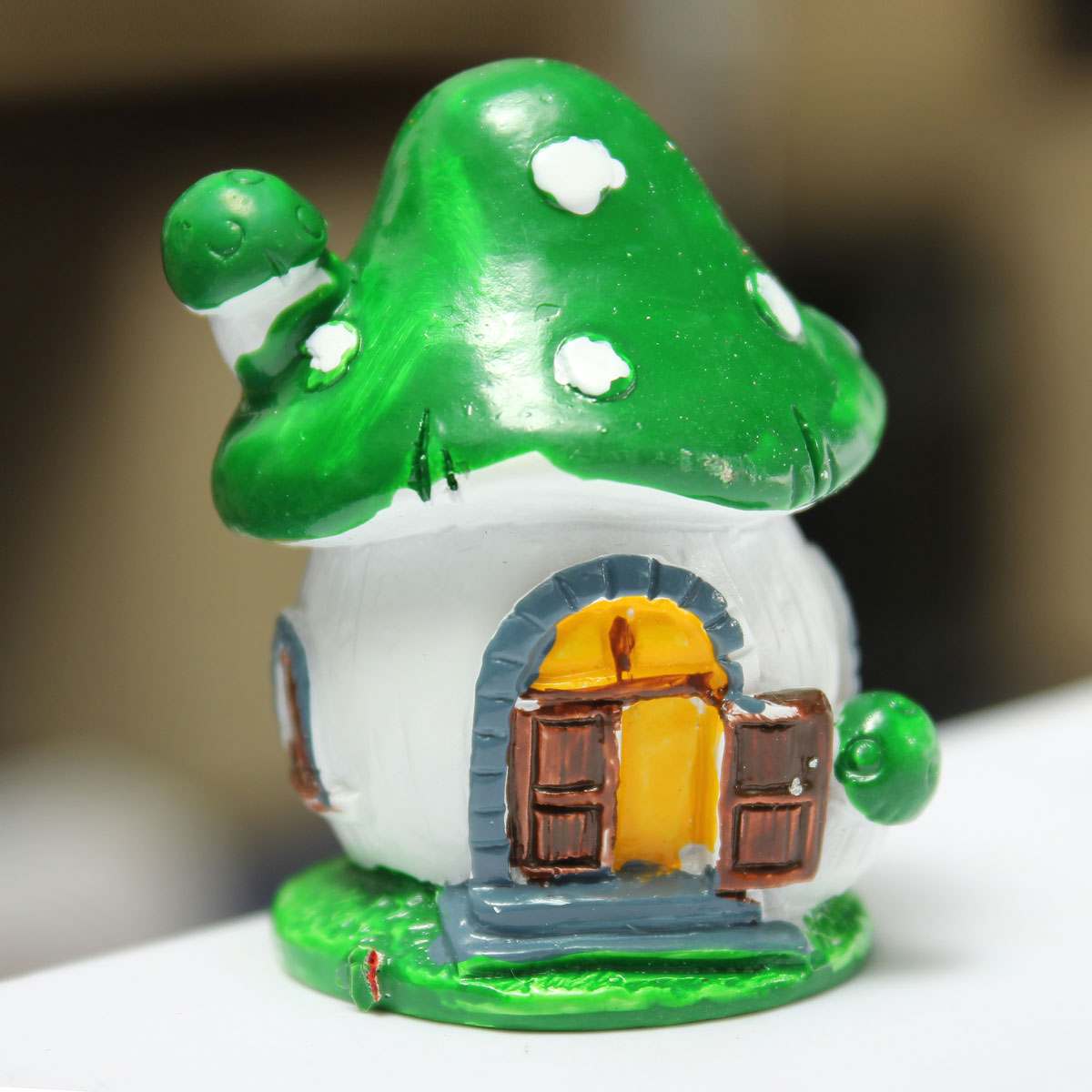 Micro mini gnome house mushrooms miniature fairy garden for Gnome 3 decoration fenetre