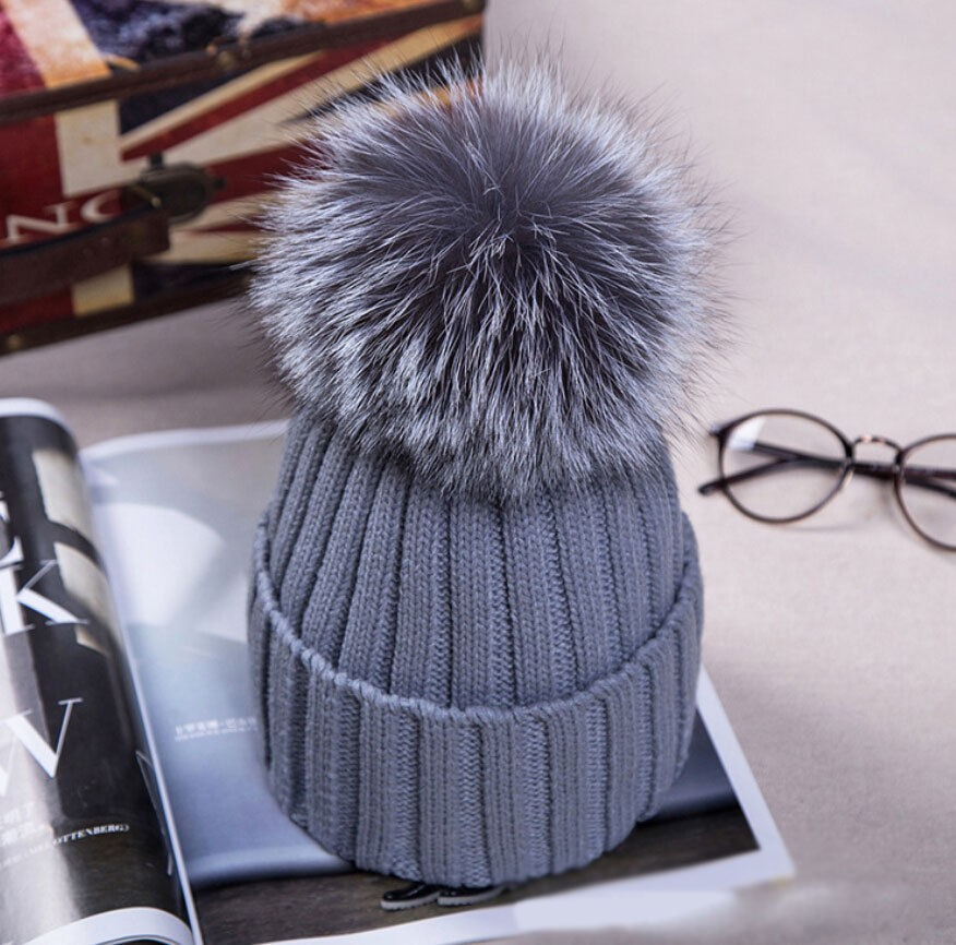 Details about 2018Hot Women Winter Racoon Fur Pom Pom 18cm Ball Knit Beanie  Ski Cap Bobble Hat 12824290d