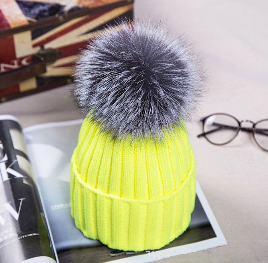 Hot Women Winter Racoon Fur Pom Pom 18cm Ball Knit Beanie Ski Cap Bobble Hat   835f620ac81