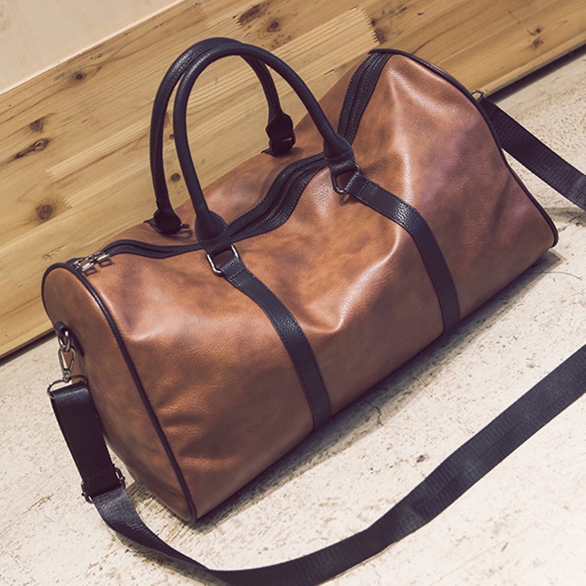 Gym Bag Jalandhar: Leather Outdoor Large Gym Duffel Bag Travel Weekend